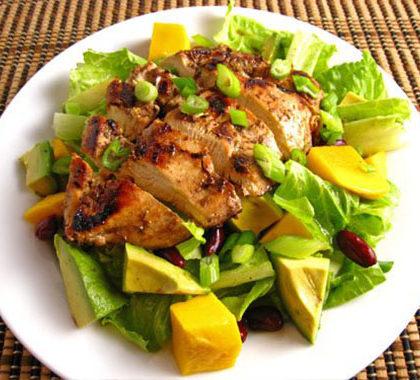 Salata de pui cu mango