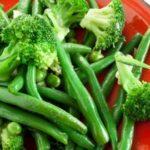 Salată de broccoli şi fasole verde