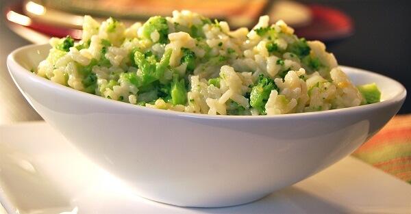 Orez cu broccoli si pui