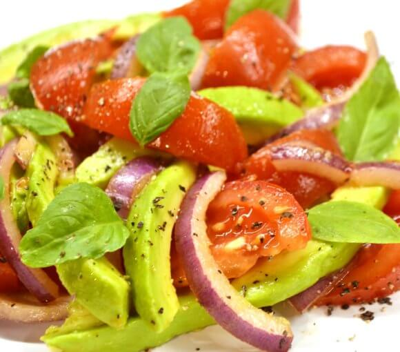 salata-cu-avocado